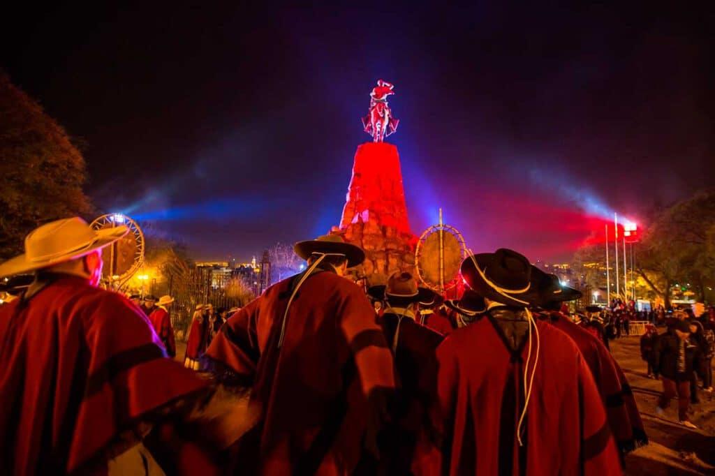 Guardia bajo las estrellas en el Festival Patria Grande