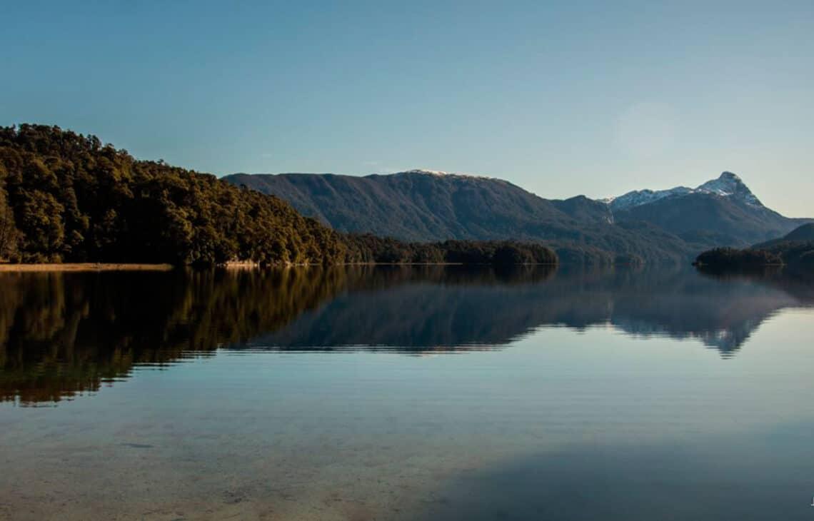 Lago Espejo, Neuquén - Villa la Angostura Turismo - foto: Juan Caló