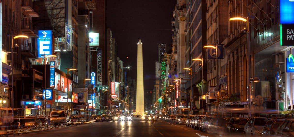 Avenida Corrientes en Buenos Aires