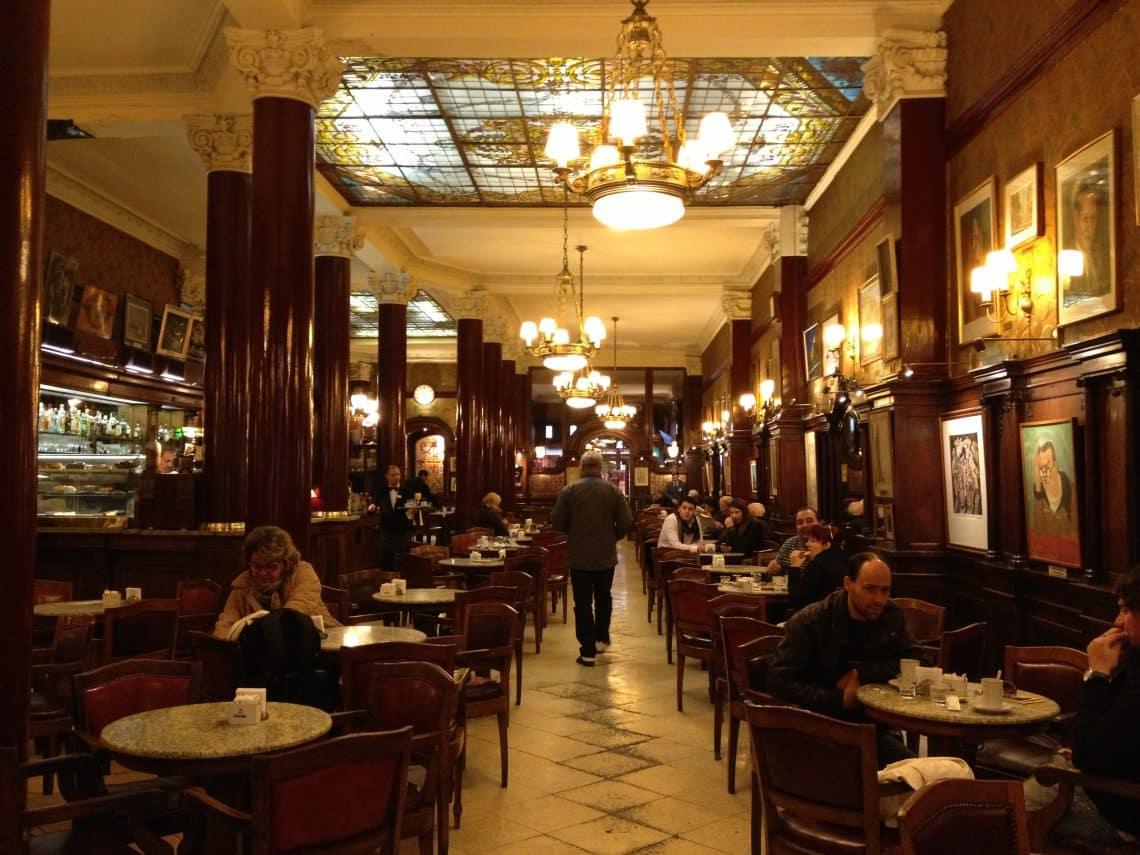 Café Tortoni en Buenos Aires - bares notables de Buenos Aires