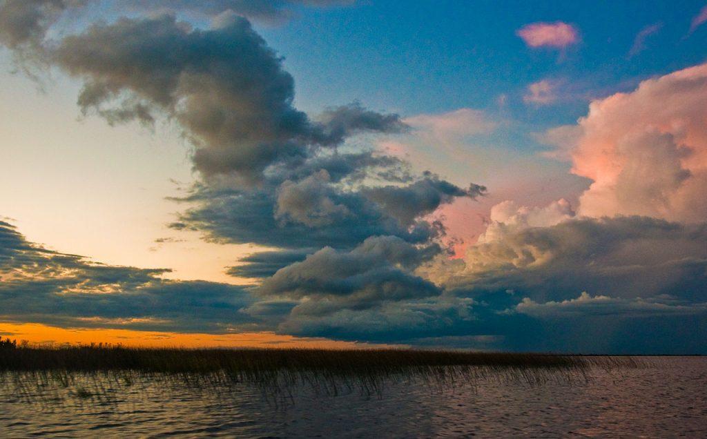 Atardecer en los Esteros del Iberá, Corrientes
