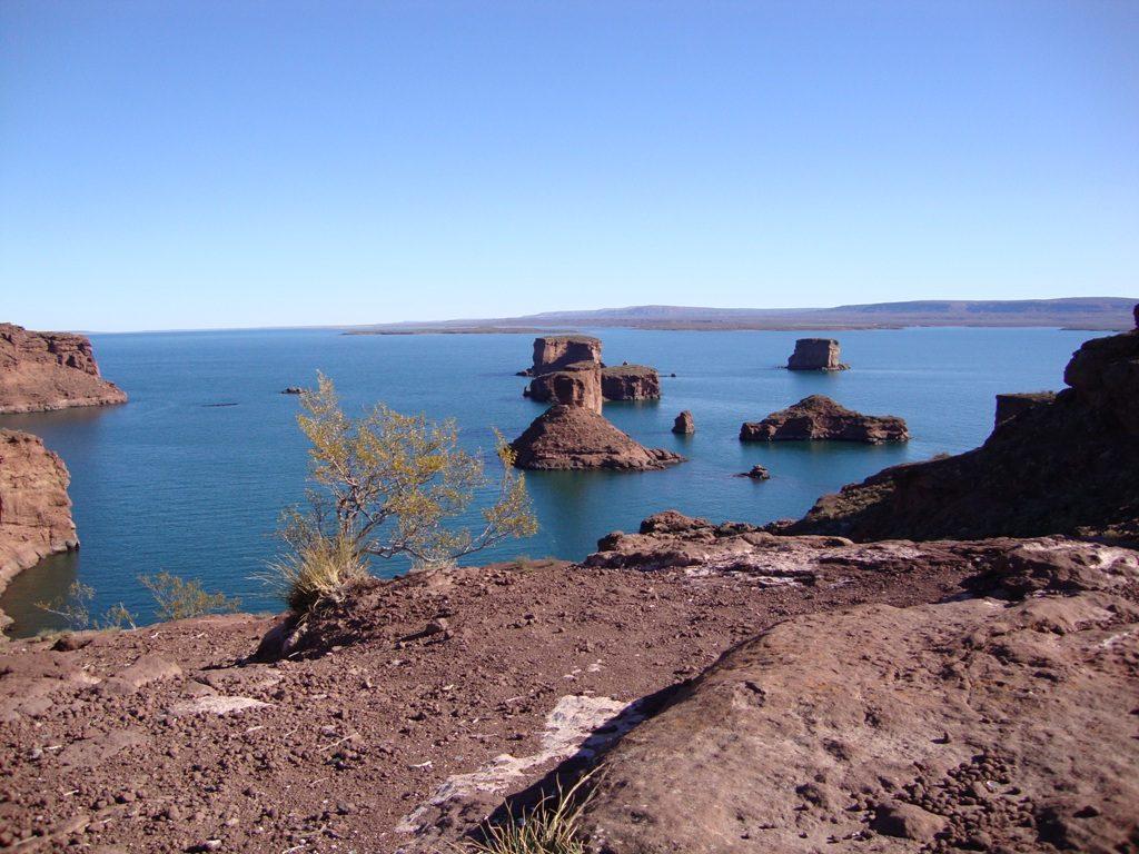 Los Gigantes. Vista desde el Acantilado de la Suegra. - El Chocón - Río Negro - Argentina - Sauronip