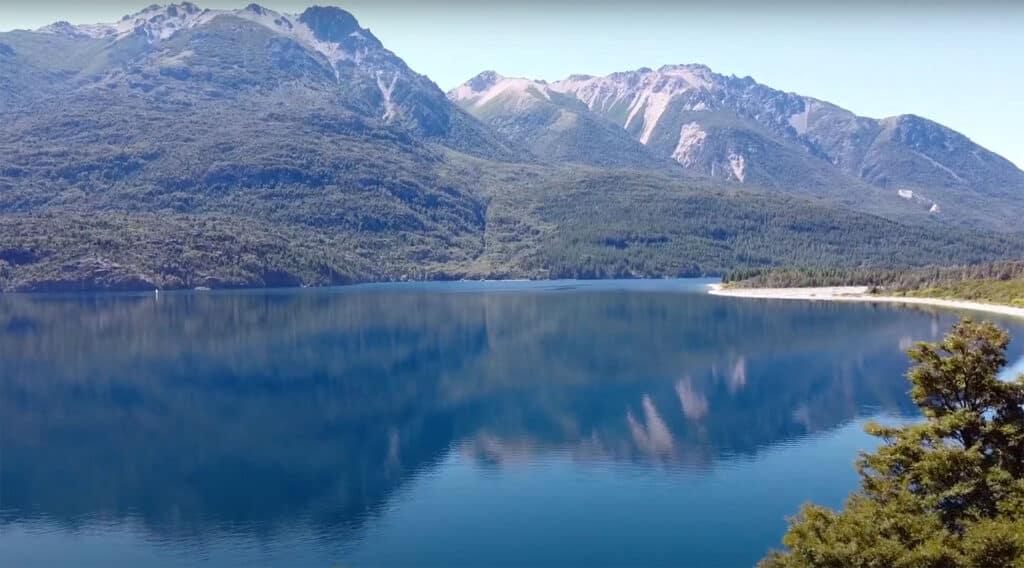 Lago Epuyén, Chubut - ph Gustavo Calfin