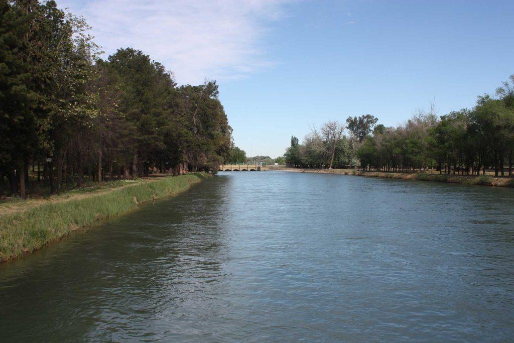 Canal principal de Riego del Alto Valle de Río Negro
