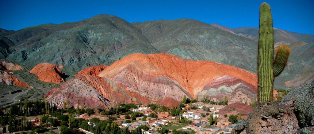 Cerro de los 7 colores de Purmamarca en la Quebrada de Humahuaca, Jujuy