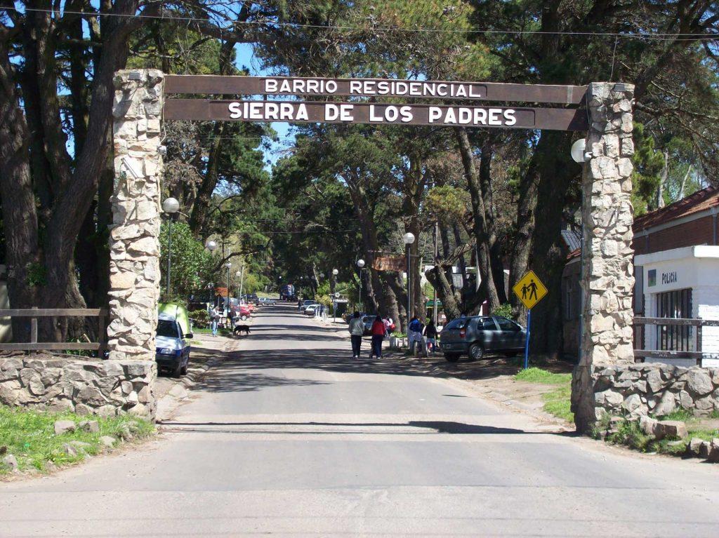 Entrada a Sierra de los Padres