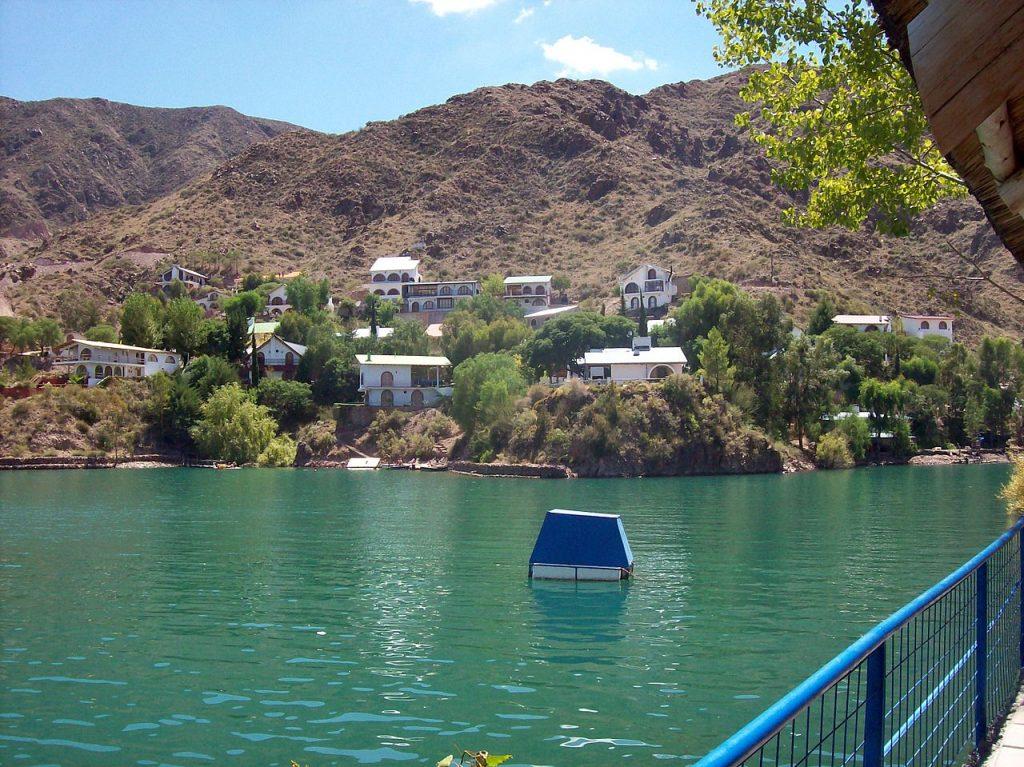 Lago del Dique los Reyunos, San Rafael, Mendoza - ph Roberto Fiadone