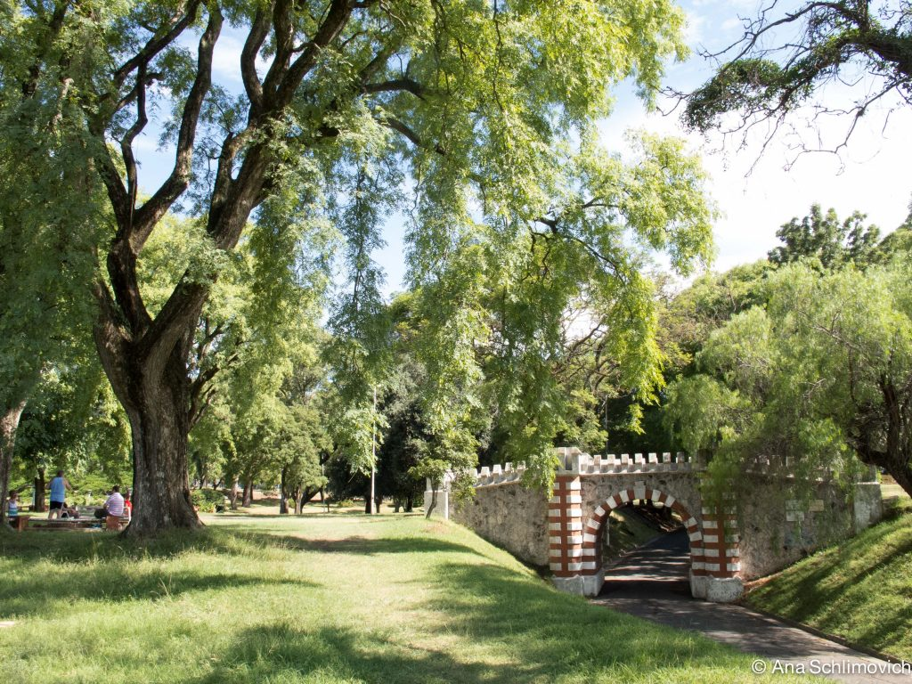 Puente de los Suspiros. Parque Urquiza de Paraná - blogs.lanacion.com