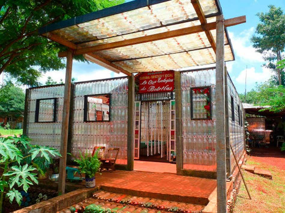 La Casa de las Botellas, Puerto Iguazú - excursioneseniguazu.com.ar