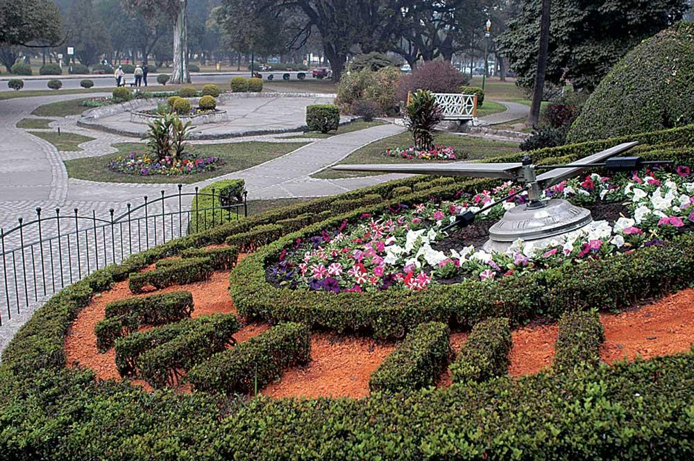 El Reloj floral, todo un icono del Parque 9 de Julio, San Miguel de Tucumán