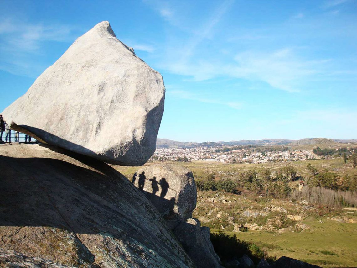 Piedra Movediza y Cerro en Tandil