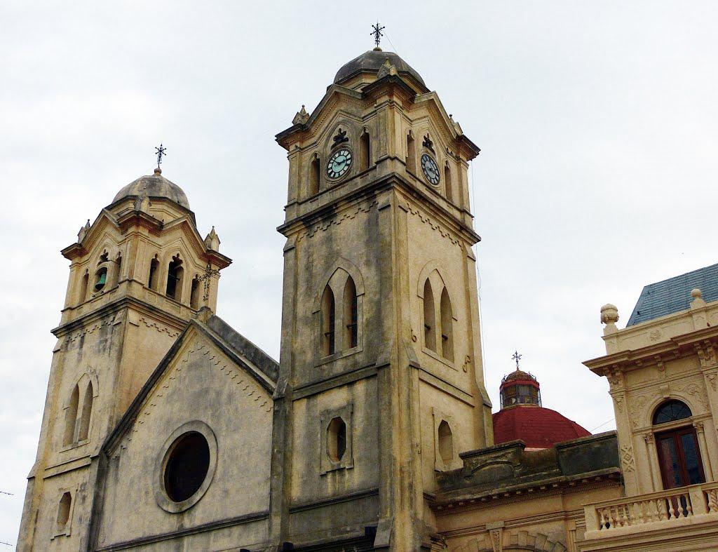 campanario de la Iglesia Nuestra Señora de Aranzazu - Victoria, Entre Ríos - ph Gabriel Hernan (Leirbag)