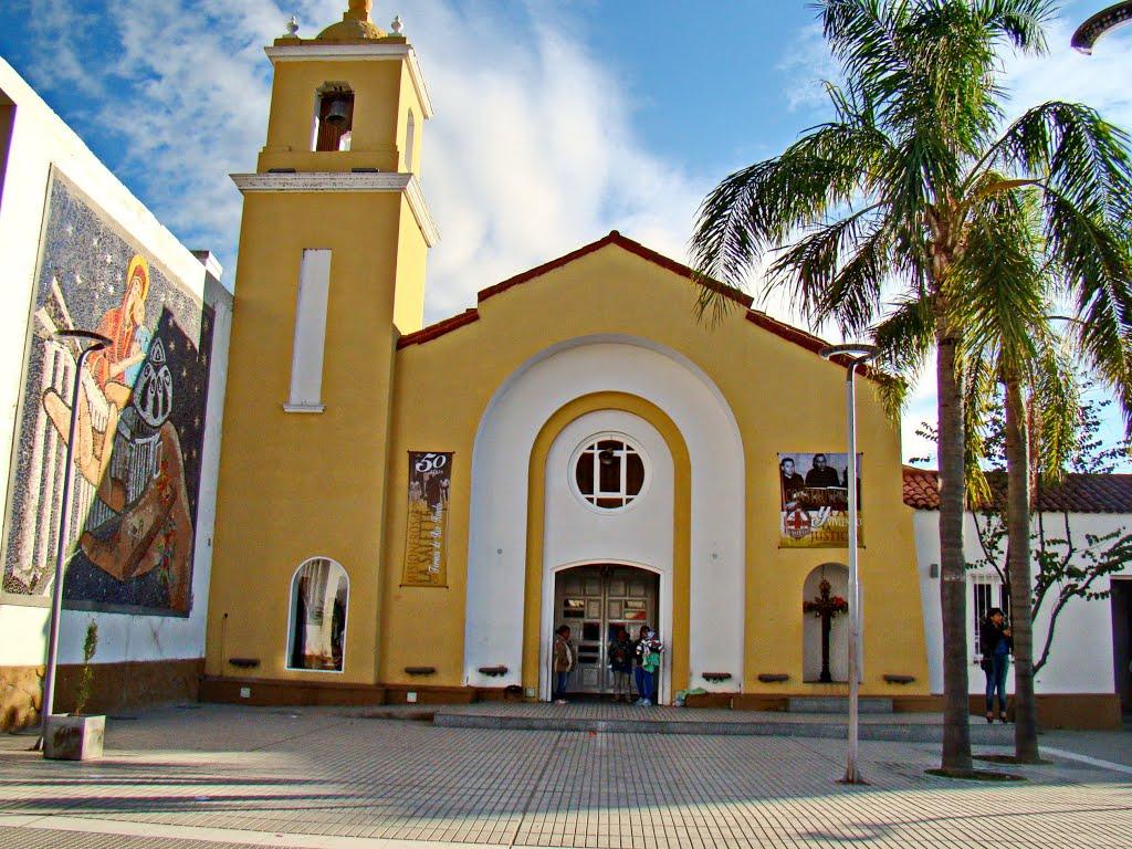 Termas de Río Hondo (Santiago del Estero) - Iglesia del Perpetuo Socorro - ecm