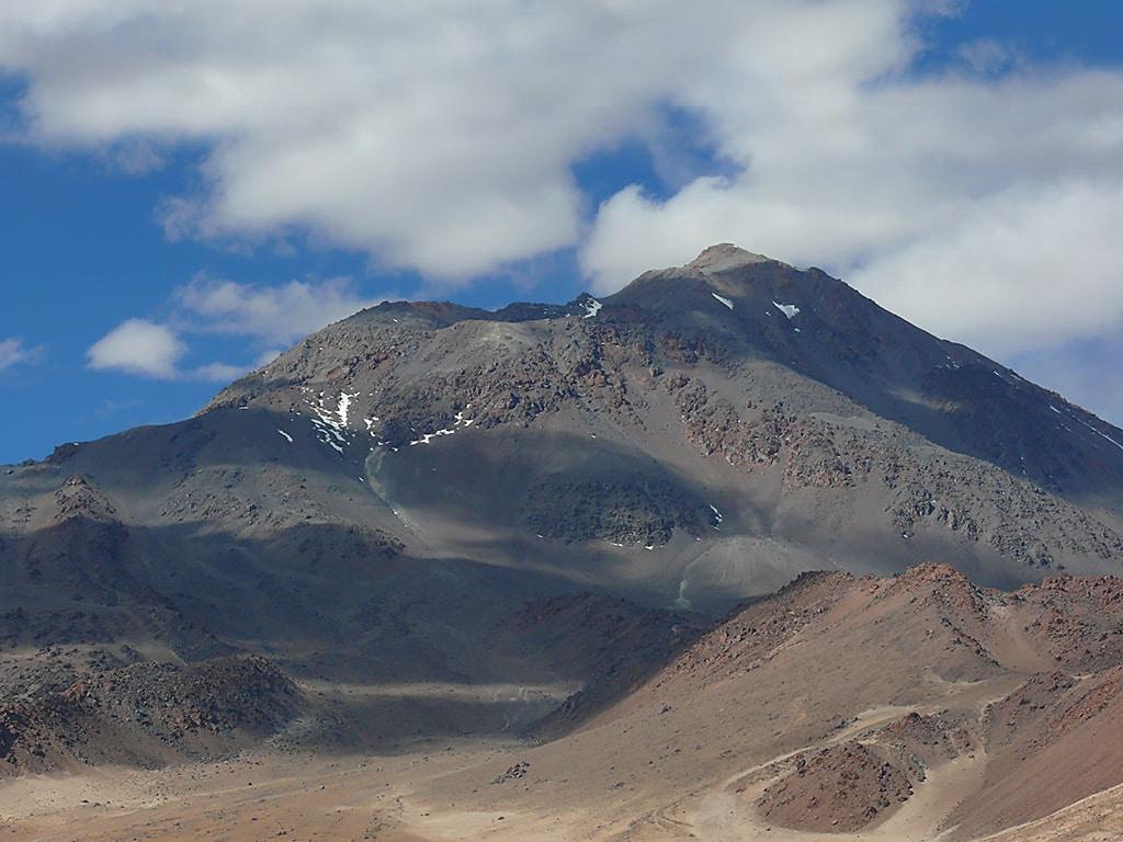 Volcan Socompa en Tolar Grande