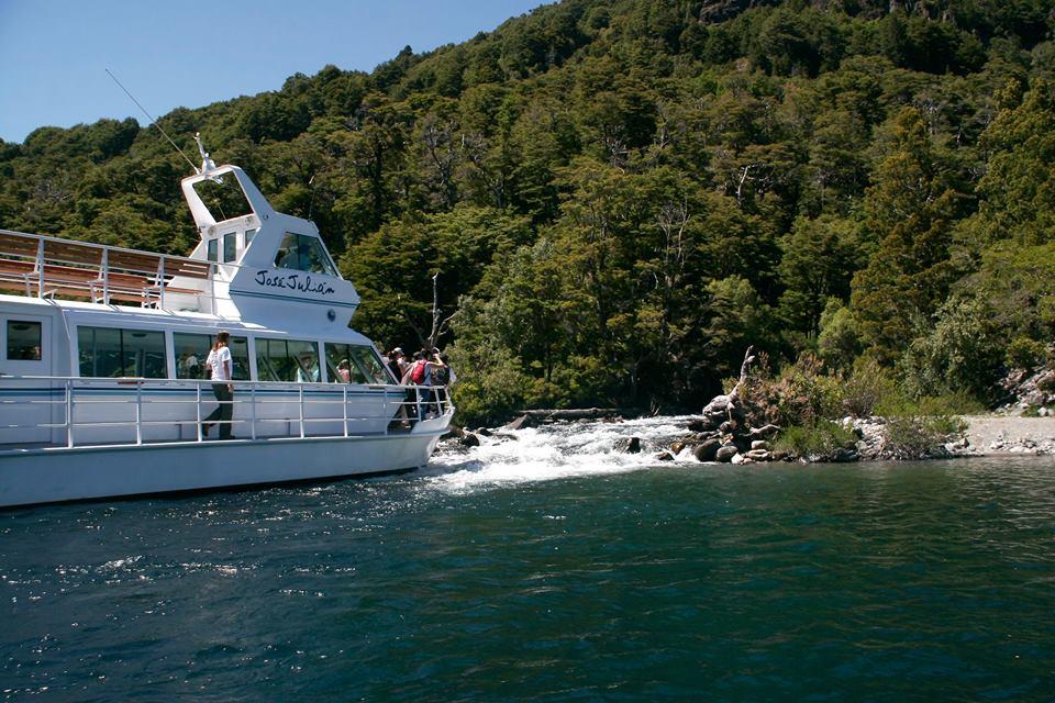 Navegación lago Huechulafquen - PN Lanín - Neuquén - Neuquentur.gob.ar