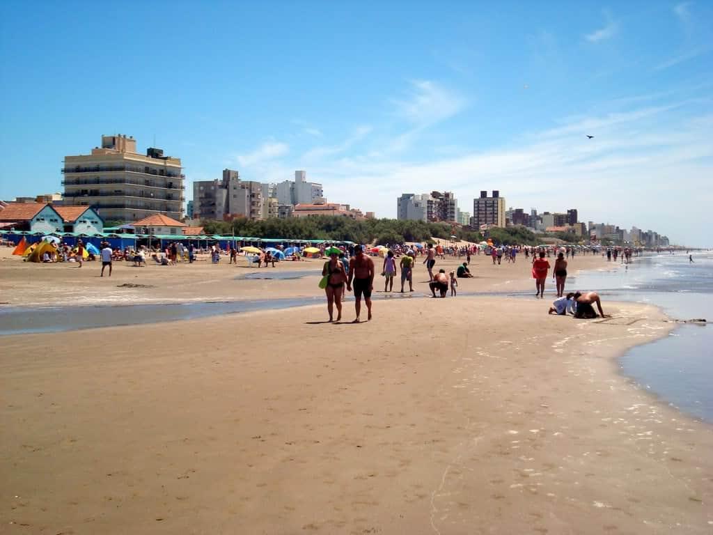 Playa de San Bernardo, costa Atlántica, Buenos Aires
