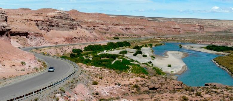 Piedra Parada, Neuquén - esquel.tur.ar