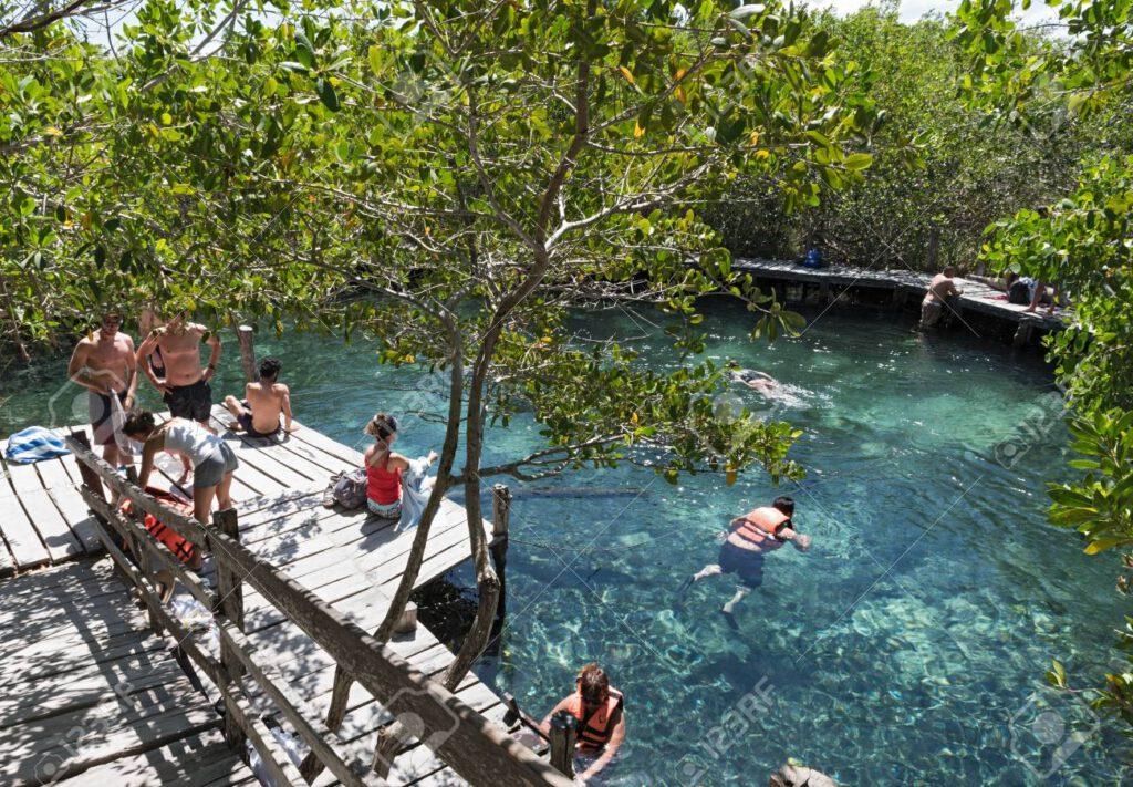 Cenote Yalahau - Holbox - ph 123rf.com