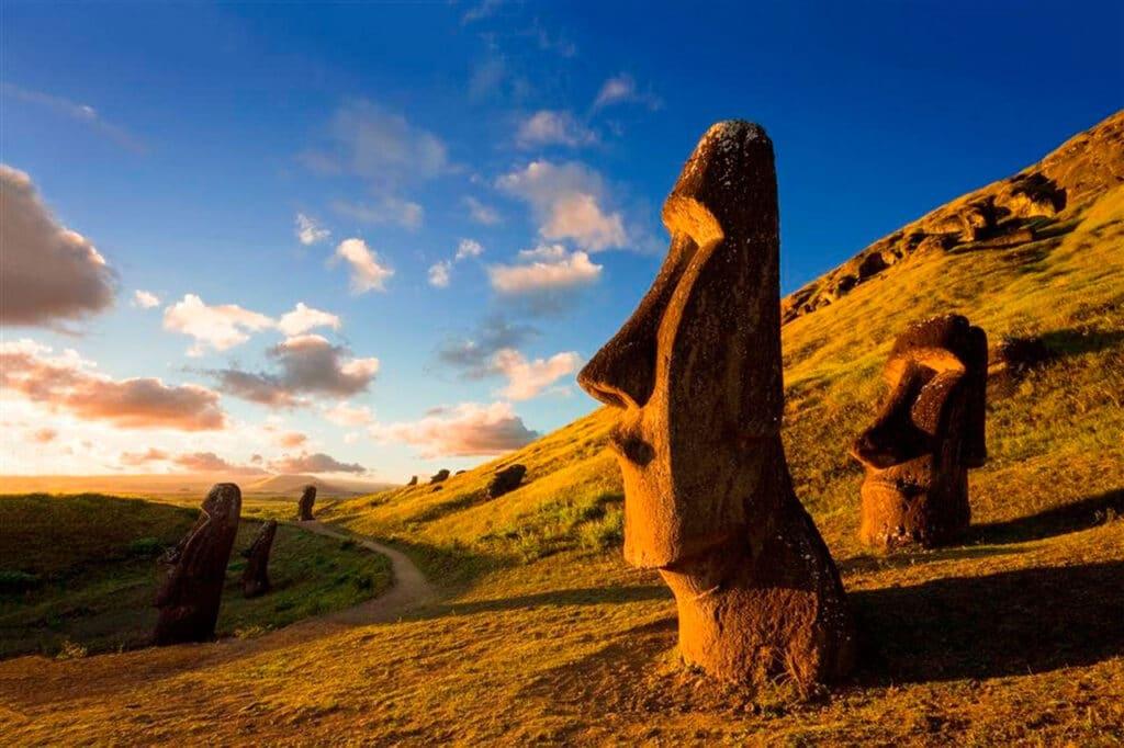 Moai de Rapa Nui, Isla de Pascua, Chile