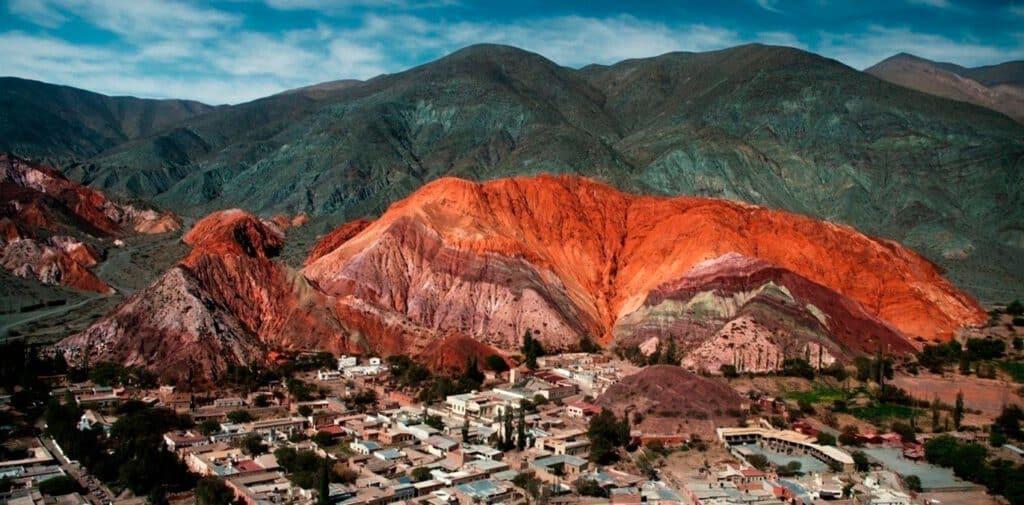 Cerro de los sietes colores- Purmamarca - Jujuy - foto: clarín.com