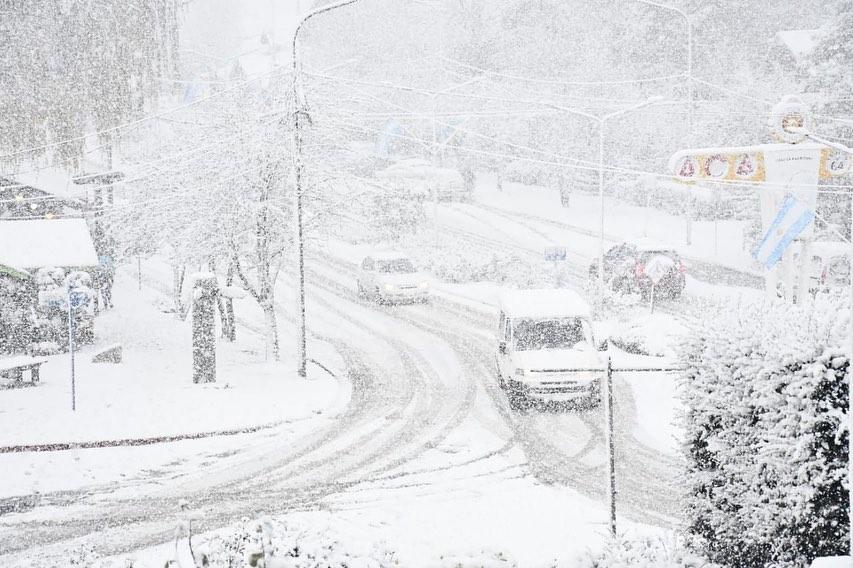 Foto de la nevada en Villa la Angostura en 2020 . foto angosturainforma