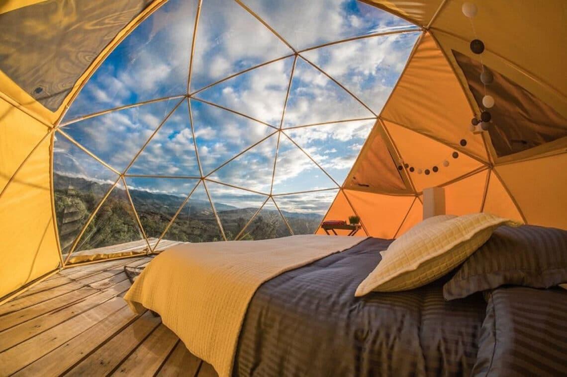 Glamping, mezcla de camping y glamour