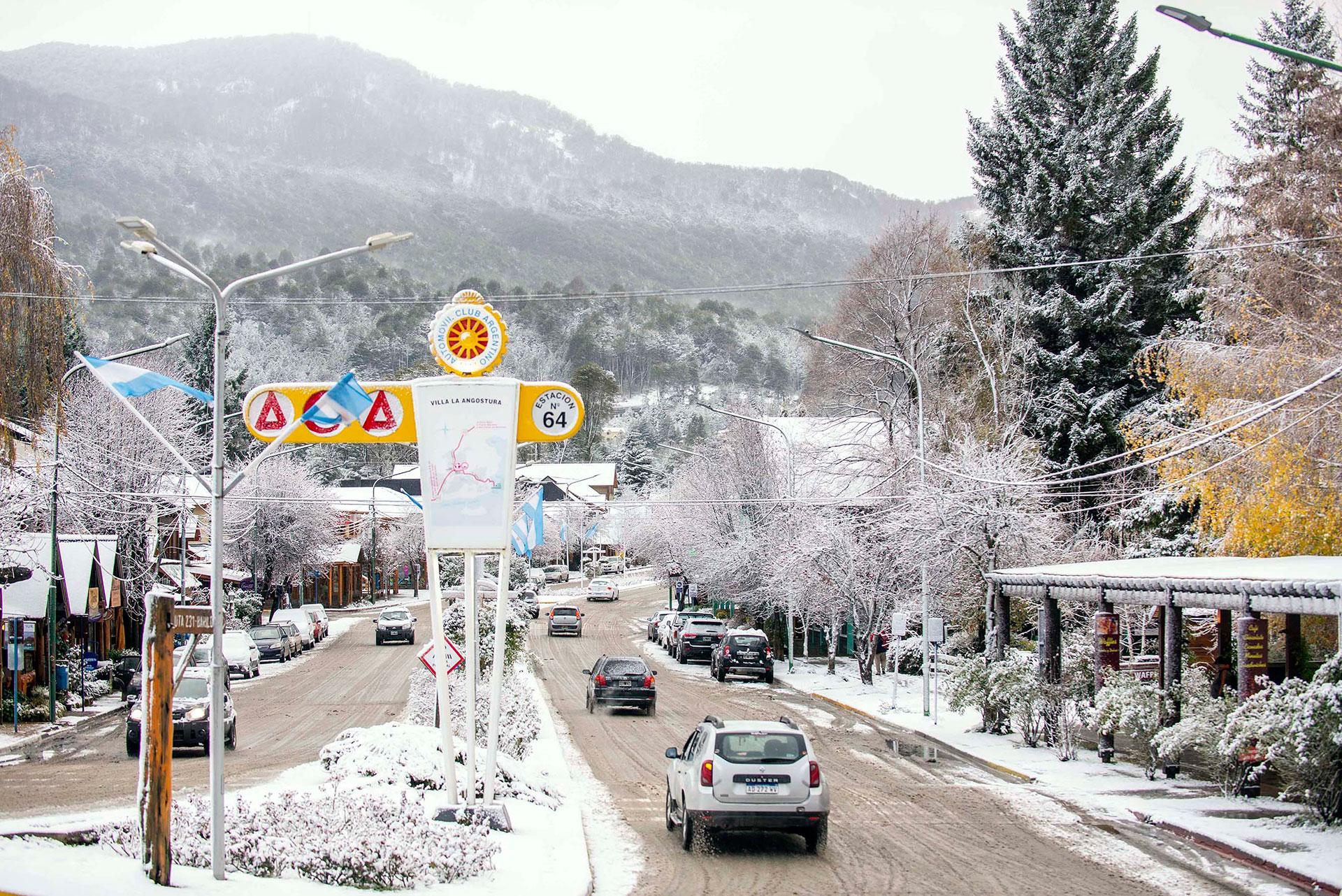 Villa la Angostura nevada - foto: Mario Caló - laangosturadigital.com.ar
