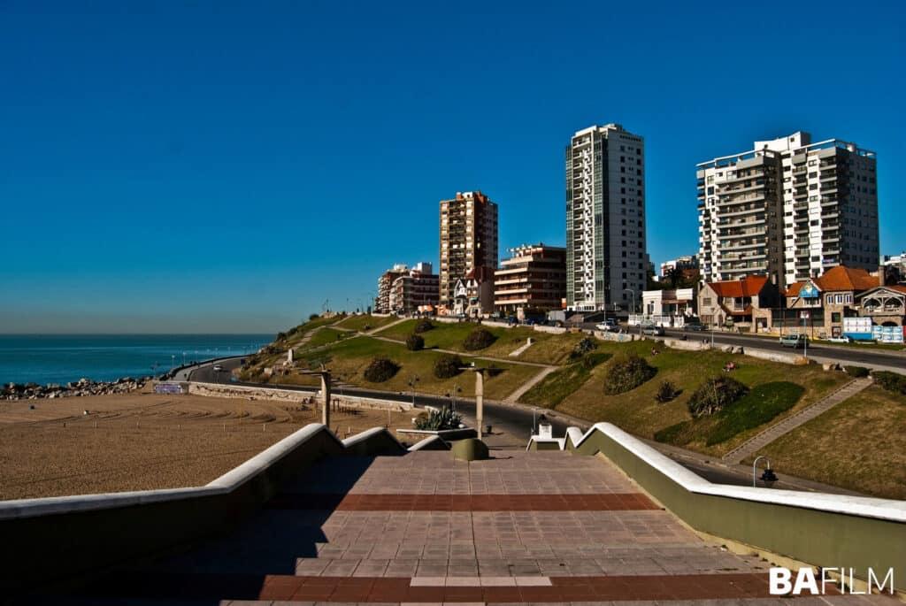 Postal de las playas de Mar del Plata en invierno