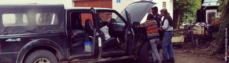 Viajar por la patagonia es estar preparado para cualquier desperfecto pero con la mente alegre para solucionarlo!