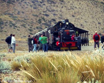 Nahuel Pan, la estacion del tren a vapor la Trochita