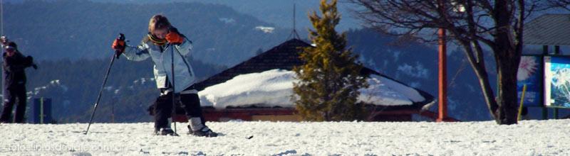 Tomi, de libros de viaje, disfrutando de la nieve en Bariloche!