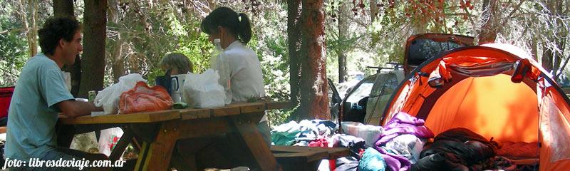 Libros de viaje en una noche de verano inolvidable en el lago Futalaufquen