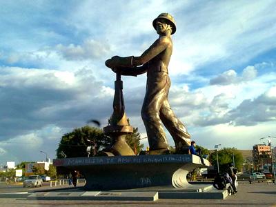 Gorosito, monumento al obrero petrolero