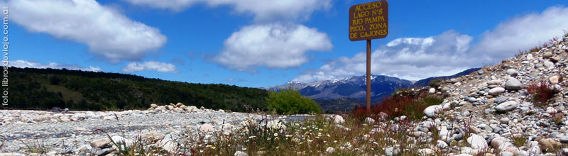 Lago n5 del Río Pampa Pico en la Patagonia por Libros de Viaje