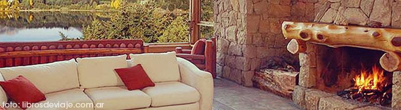 El mágico hotel de Bariloche junto a la familia de libros de viaje
