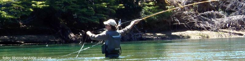 Zeze, de libros de viaje en plena accion, pesca con mosca en el rio arrayanes