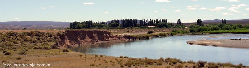 El hermoso valle del Rio Chubut en la ruta 25 con Libros de Viaje