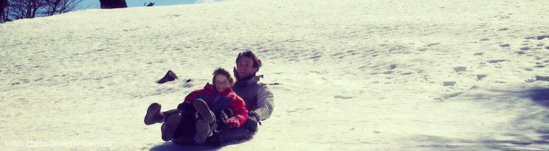 La forma más divertida e ingeniosa de disfrutar la nieve en familia!