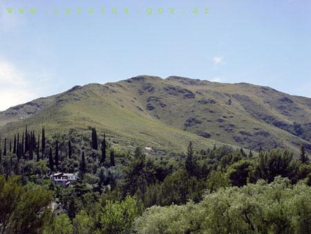 Cerro El Cuadrado y la Banderita