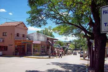 Av. San Martín en Mina Clavero