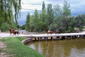 Puente sobre el río Panaholma en Villa Cura Brochero