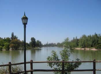 Lago del Parque San Martín