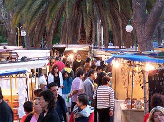 Feria de los artesanos de la ciudad de Neuquen