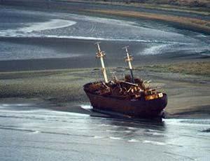 Barco Encallado Desdemona